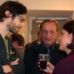 Dominik Tschütscher mit Gerhard Schmidt, Direktor AK Salzburg, und Hilla Lindhuber, Bildungs- und Kulturreferentin AK Salzburg